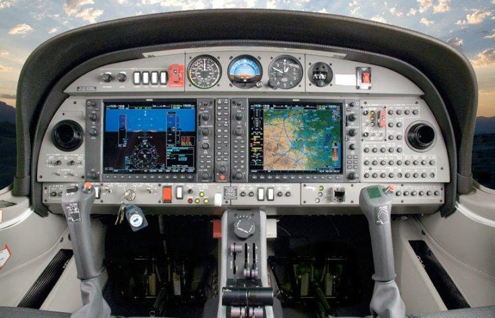DA42_cockpit